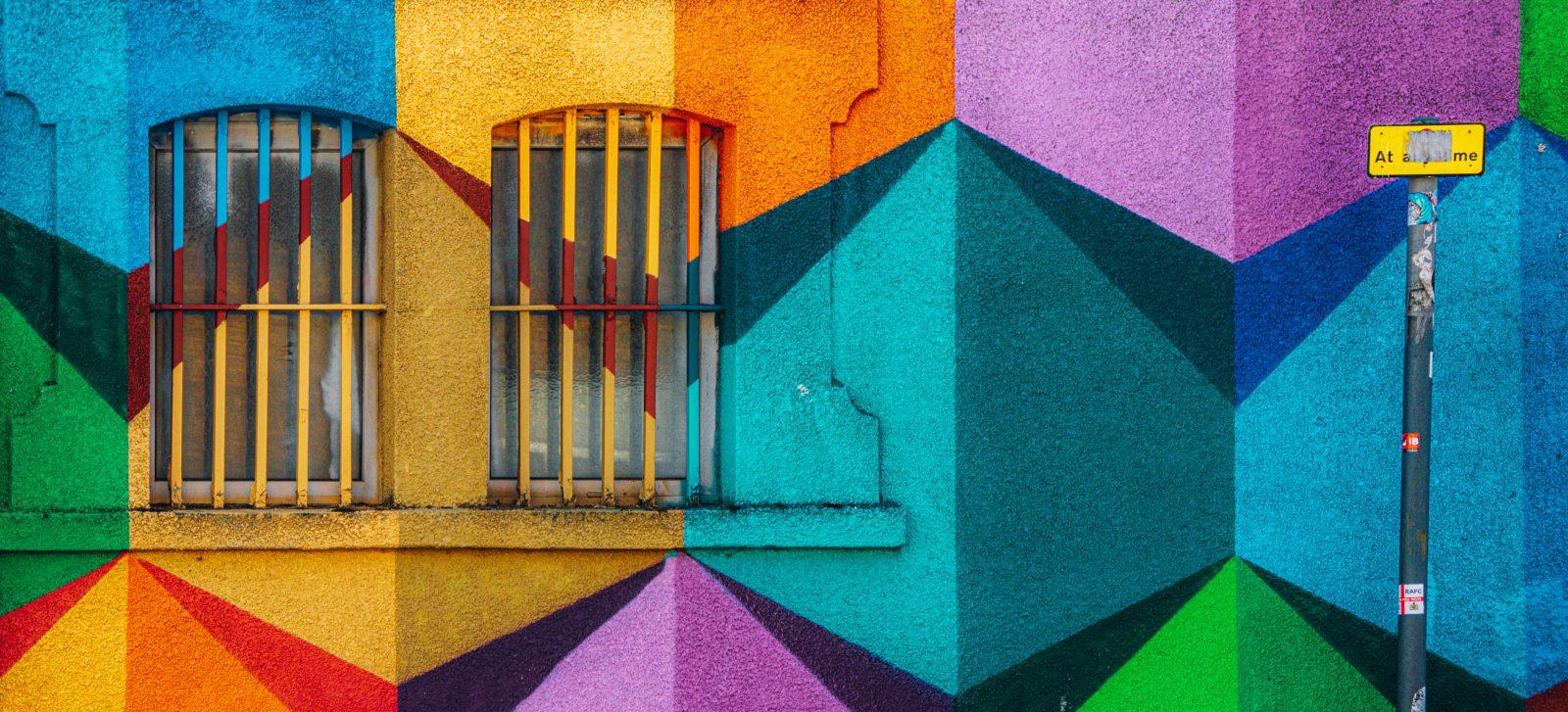 i formati di advertising di linkedin, foto di graffiti puramente decorativa